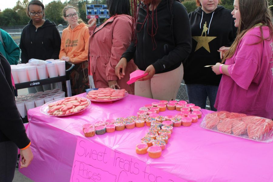 A refreshment table at the Breast Cancer Walk. Photo courtesy of Fluco Journalism.