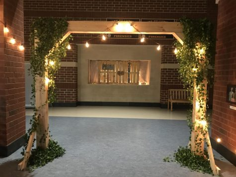 The archway leading into the cafeteria made by the Prom Committee for the Rustic Romance theme. Photo courtesy of McKenzie Moore.